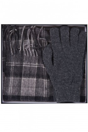 Barbour - Barbour Scarf And Glove Gift Set BK11 Black